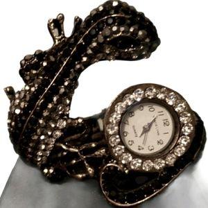 Lizard design bracelet